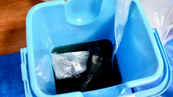高圧洗浄で洗い流されたエアコンの汚れ