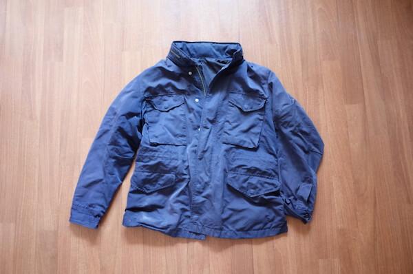 クリーニング前の青いジャケット