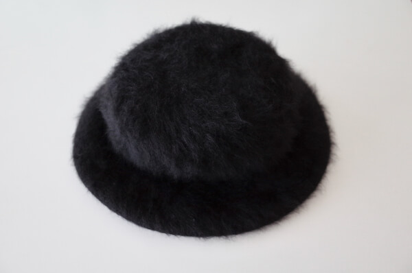 ワードローブトリートメントでのクリーニング後の帽子